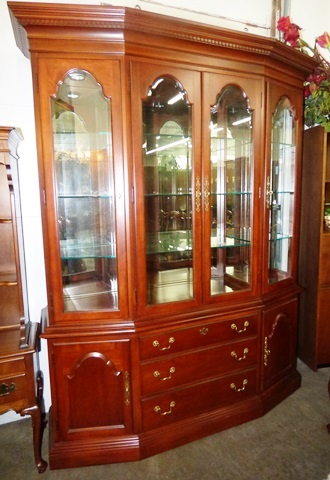 Marvas-Place-Used-Furniture-Consignment-Minneapolis-MN08-1