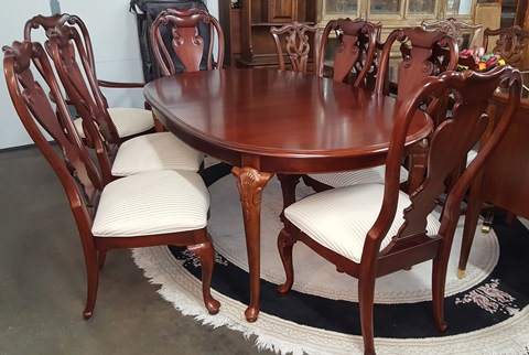 thomasville dining table with 8 chairs - marva's placemarva's place