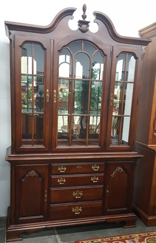 Marvas-Place-Used-Furniture-Consignment-Store0102
