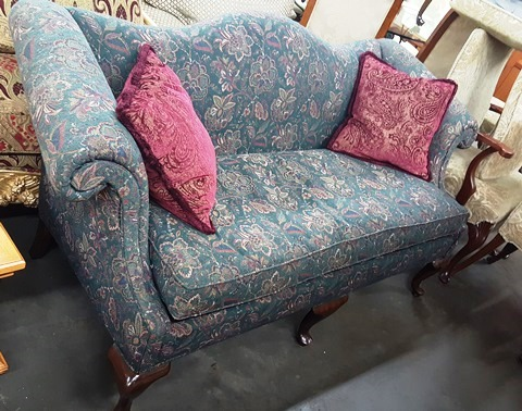 Marvas-Place-Used-Furniture-Consignment-Store0159