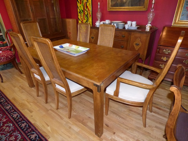 Beautiful Henredon Dining Table and 6 Chairs - Marva\'s PlaceMarva\'s ...