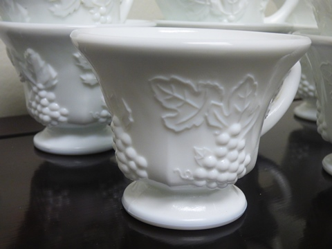 Vintage Indiana Colony Harvest Grape Pattern Milk Glass Tea Cup (Set of 11)