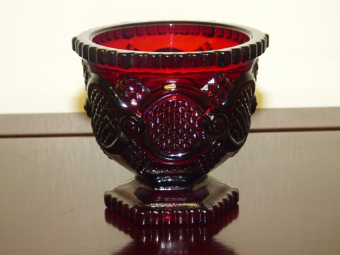 Avon Cape Cod Ruby Glass Sugar Bowl 1876 Collection Sugar Bowl