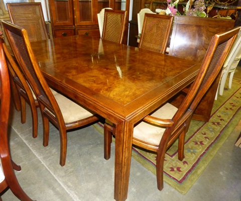 Henredon Dining Table and 6 Chairs - Marva\'s PlaceMarva\'s Place