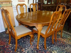 Pennsylvania House Dining Table with 6 Chairs