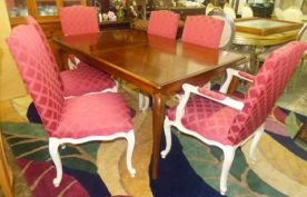 High End Dining Table with 2 Leaves