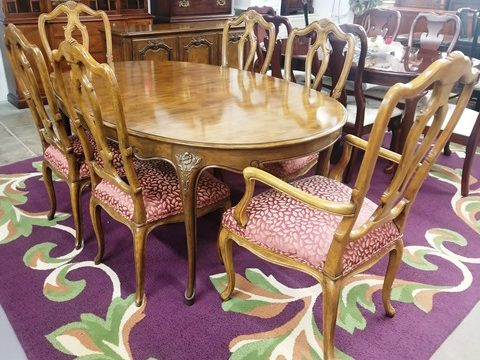 Baker Furniture Dining Table with 6 Chairs