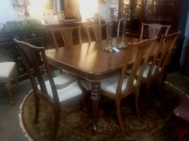 Pennsylvania House Old Havana Dining Table with 8 Chairs